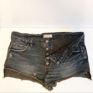 Free People Exposed Button Denim Shorts. Sz 28